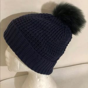 Norla Canada OS Pom Pom Knit Beanie